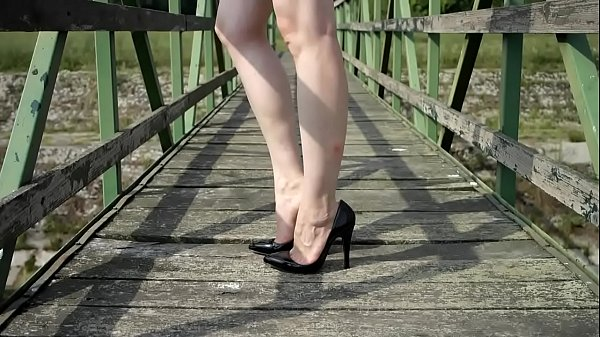 High, High heels, Shoeplay, High-heeled