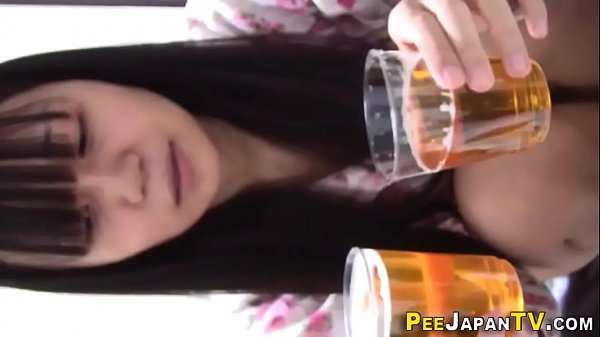 Pee, Japanese teen