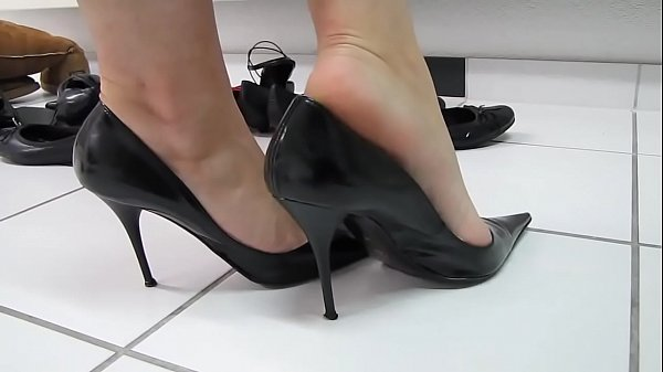 High heels, Heels, Shoeplay, High-heeled